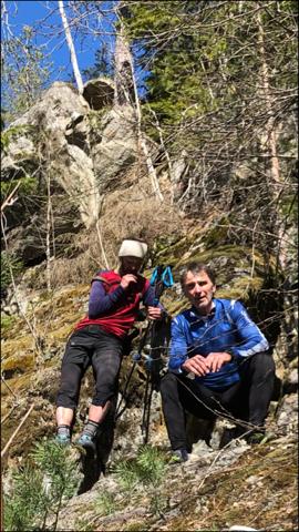 HARDHAUSER: Håkon Kongtorp (t.v.) og Terje Bjerkrheim gjennomførte en unik prestasjon da de gikk i såkalt korridor gjennom Aurskog-Høland langfredag. Tore Bjerkrheim var også med.