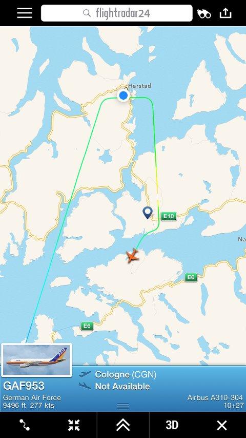 Denne skjermdumpen ble tatt tirsdag formiddag, rett etter at det tyske flyet hadde endret kurs.