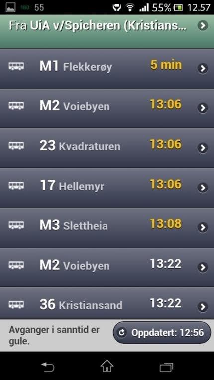 MOBIL: Slik kan det se ut på mobilen. Klokkeslett i gult viser når bussen faktisk er på stedet, selv om rutetabellen skulle si noe annet.