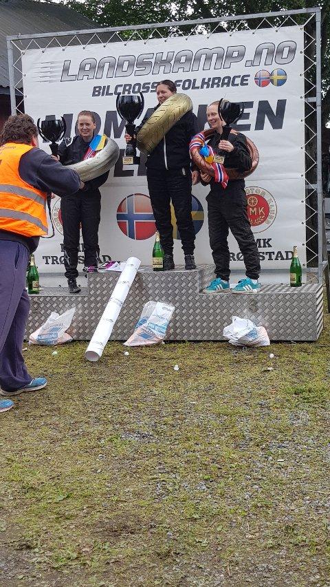 Mari Hoel fra Raufoss ble nr 2 i landskampen i bilcross på Momarken i helga