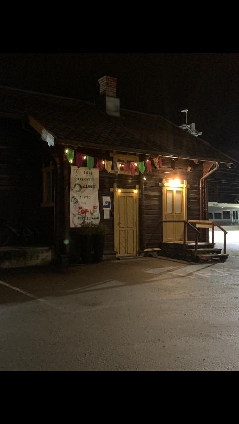 «Det Lille Stasjonsgalleriet» på Gjøvik St.