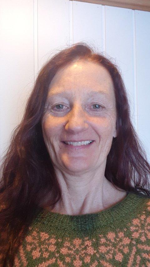 PAUSE: Marianne Lyngstad (54) er fysioterapeut i Inderøy kommune og mottok AstraZeneca-vaksinen to dager før vaksineringen ble satt på pause. – Jeg kan ikke tenke så mye på det, sier hun.