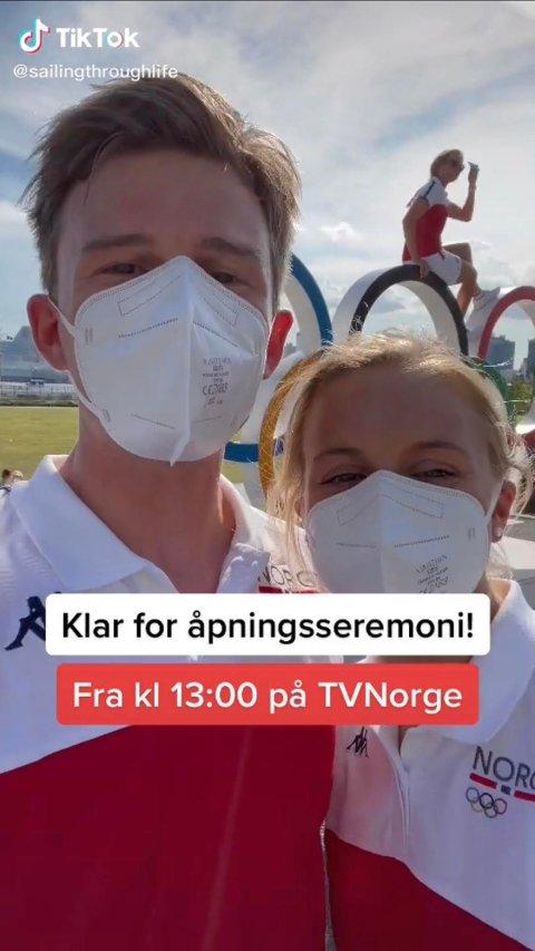 DELTAR I OL: Nicholas Fadler Martinsen (27) er fra Son, og sammen med samboeren Martine Steller Mortensen (26) deltar han i OL. På sosiale medier deler samboerparet opplevelser i OL-byen. Her ser vi en skjermdump fra én av videosnuttene duoen har lagt ut.