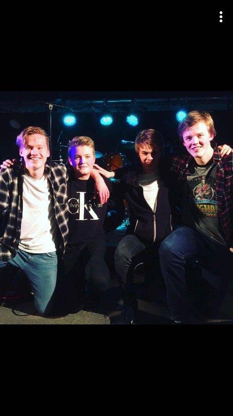 SCHTÆKO: Fra venstre: Mats Ballo Haraldsen, August Bergeland, Gabriel Vikestad Olsen og Christian Holst.