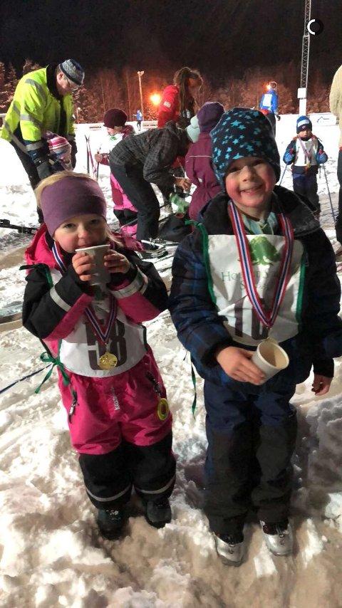 Fornøyde: Astrid Sofie Ljøner Østby og Micke Haugerudbråten Killi etter endt renn på Setskog.