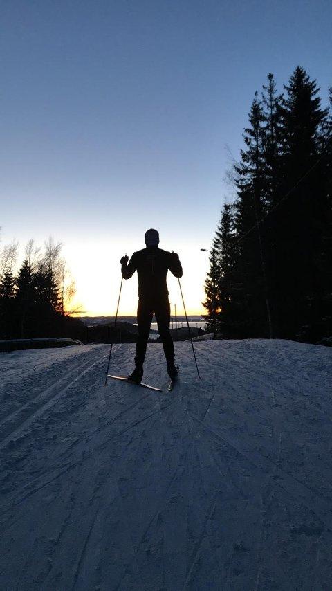 Ser frem mot 24-timersløp: Steinkjer skiklubb inviterer Steinkjer til å gå på ski (Foto: Steinkjer Skiklubb)