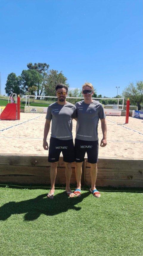 KLARE: Erlend Henriksveen (til venstre) og hans makker Vegard Løkken er på plass i Madrid for å spille OL-kvalifisering.