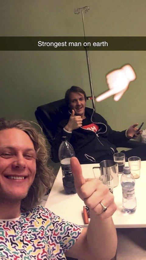SNAPCHAT: Dette bildet av seg selv og Stian Sivertzen, postet Christian Ruud Myhre på snapchat. (FOTO: PRIVAT)