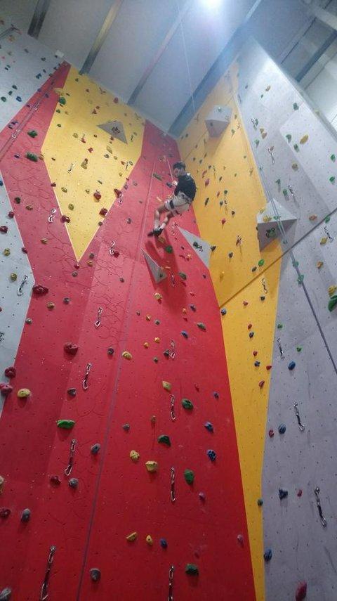 DNT Ung i Valdres er i gang, og første arrangement var klatring i Valdres storhall.