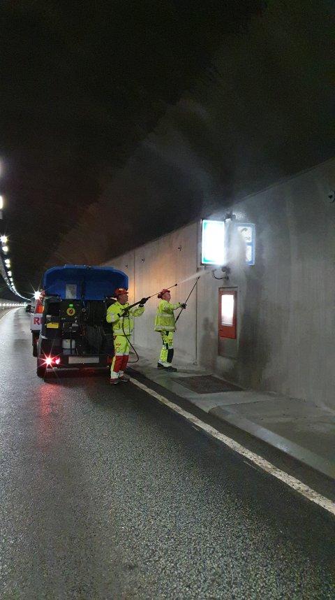 Åtte tunneler mellom Tvedestrand og Arendal skal nå vaskes.