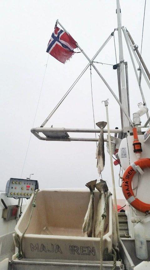 FYLTE KVOTA FØR PÅSKE: Ibestad-fiskeren Hallgeir Sande har heist flagget og reist hjem fra nok en god sesong utenfor Sørøya. Foto: Privat