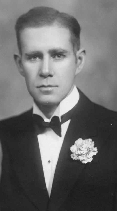 Forretningsfører i forsyningsnemnda, Olav Øvald, i 1942.