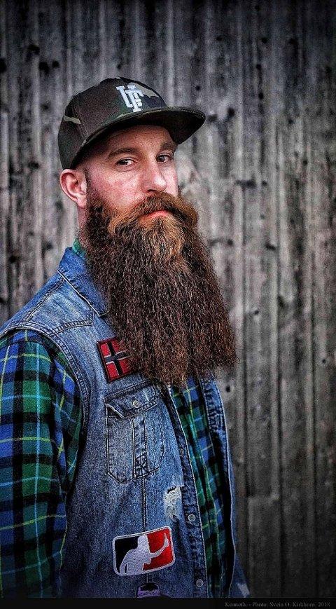 KARAKTERISTISK: Kenneth Skjedsvold Hermansen fra Jessheim kan ikke se for seg et liv uten skjegg. - Det er blitt en livsstil, konstaterer han.