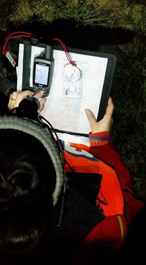 Røde Kors Hjelpekorps hadde med seg nødvendig søkjeutstyr og gprs då dei natt til torsdag prøvde å ta seg opp til mannen i nærleiken av Folgefonna. (Foto: Oddrun Steinsland).