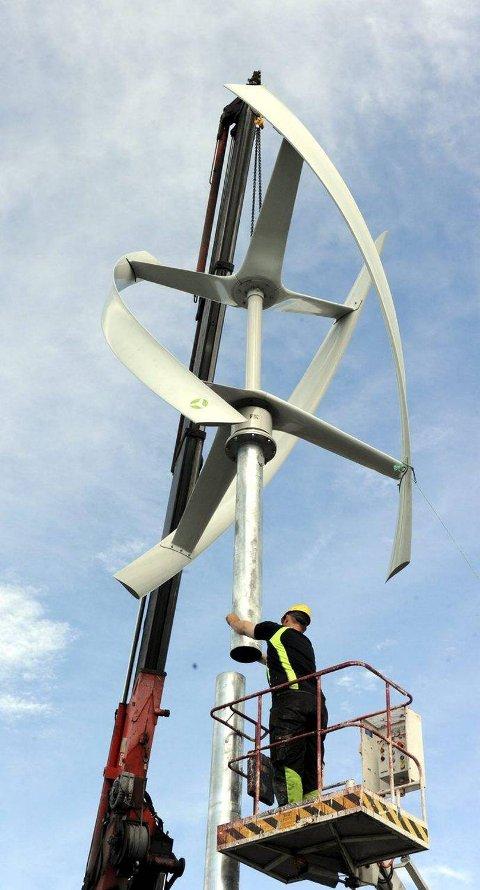 Turbinen rager 9,6 meter i været.