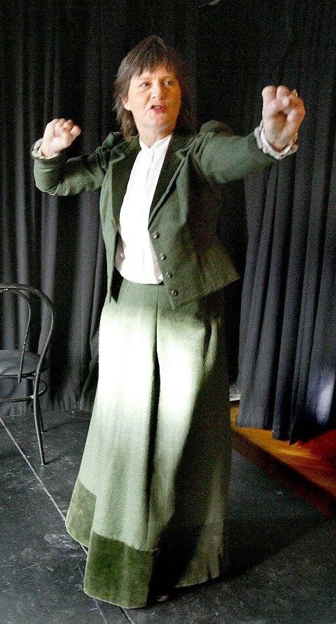Viktigste rolle: Liv Hege Nylund reiste rundt med sitt one woman-teater om jødiske Sabina i mange år. Foto: Morgan Andersen