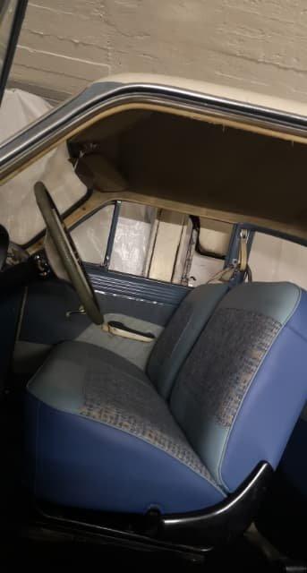NYTT INTERIØR. Bilens måtte få sydd nytt interiør, men utvendig er den slik den var, med unntak av vask.