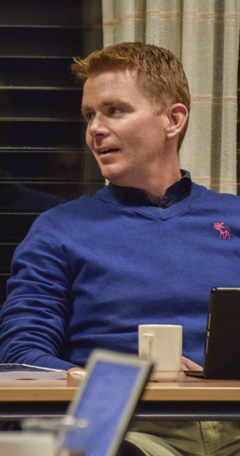 Kulturutvalgsleder: Hvorfor ikke ta kontakt når du får så mange mailer, Thomas Mørk Bjørvik, skriver Elin Feen.