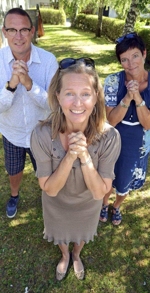 Please come: Regissør/koreograf Cynthia Kai (foran), musikalsk leder Espen Aslaksen og prosjektleder Margaret Frøisli ber folk om å komme på audition for rockeoperaen Jesus Christ Superstar.