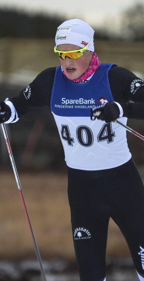 BEDRING: Johannes Bjertnæs fra Jevnaker IF ble nummer tre på ti kilometer fri teknikk i klasse 18 år, og var fornøyd med sin egen innsats i Nyttårsrennet på Beitostølen. Begge arkivfoto: Arvid Holmlund