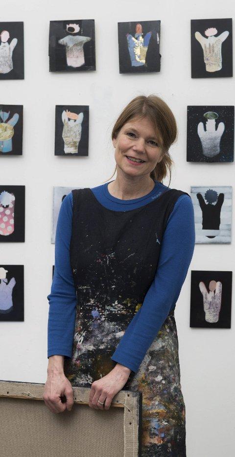 Felicitas aga: Gleder seg til å stille ut i Norge. Med røtter i Agatunet er det ekstra kjekt å få anledning til å vise sin kunst nettopp der.  Men mai-turen i år, må hun utsette til neste år.