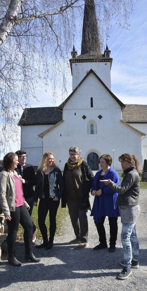 Festival: Hele området mellom kirken og prestegårdshagen tas i bruk.