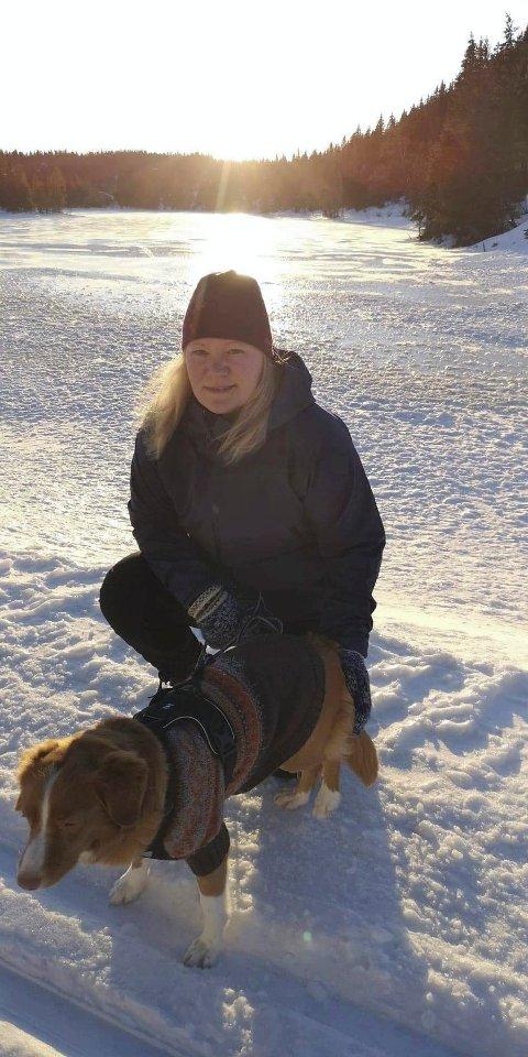 OPPTATT AV DYR: Pernille Lillevik Skovly er mer opptatt av dyrenes ve og vel enn at folk skal få skyte opp fyrverkeri nyttårsaften.