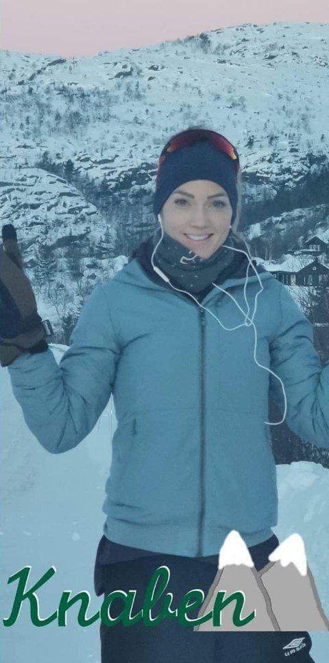 SPREKT: Melinda Frigstad valgte fredag å jogge fra Knaben til Kvinesdal da morgendagens halvmaratonløpet ble avlyst.