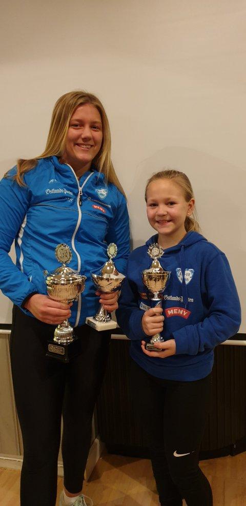 TOK POKALENE HJEM: Kaja Mørch Pettersen (t.v.) og Amanda Frederikke Lilleeidet.