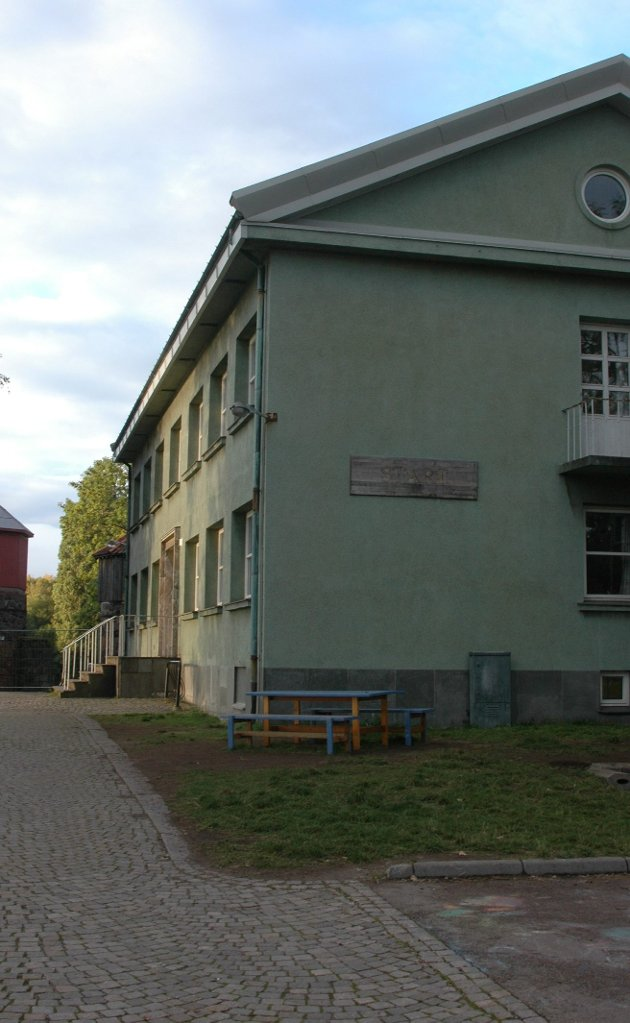 """FORSVARET: Befalsskolen for Sjøforsvaret ga navn og navneskilt til """"Start"""" og andre bygninger på Karljohansvern."""