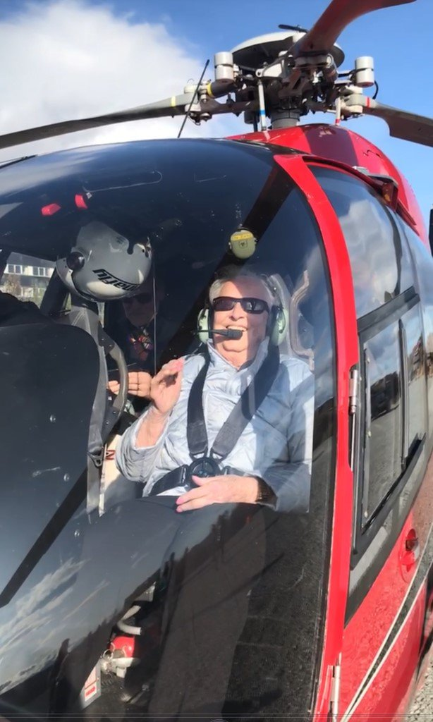I lufta: Onsdag vart Astrid Beito eit hundre år og det vart feira på Øystre Slidre sjukeheim med dei to sønene hennar, familien elles og gode vener. Etterpå vart det ein tur opp i helikopter for å sjå Beito frå lufta.