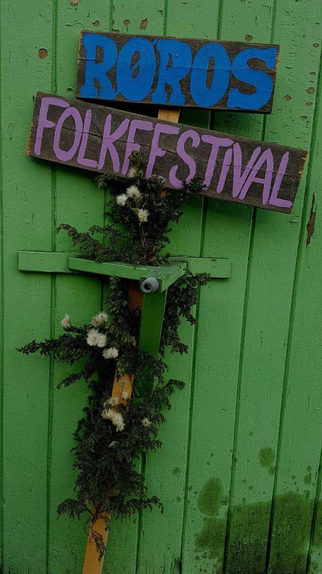 Røros Folk Festival 2018 er historie, men publikum som har gjestet de intime og flotte konsertene disse dagene har fått mye for pengene og kanskje båe en og to nye favoritter på spillelista si.