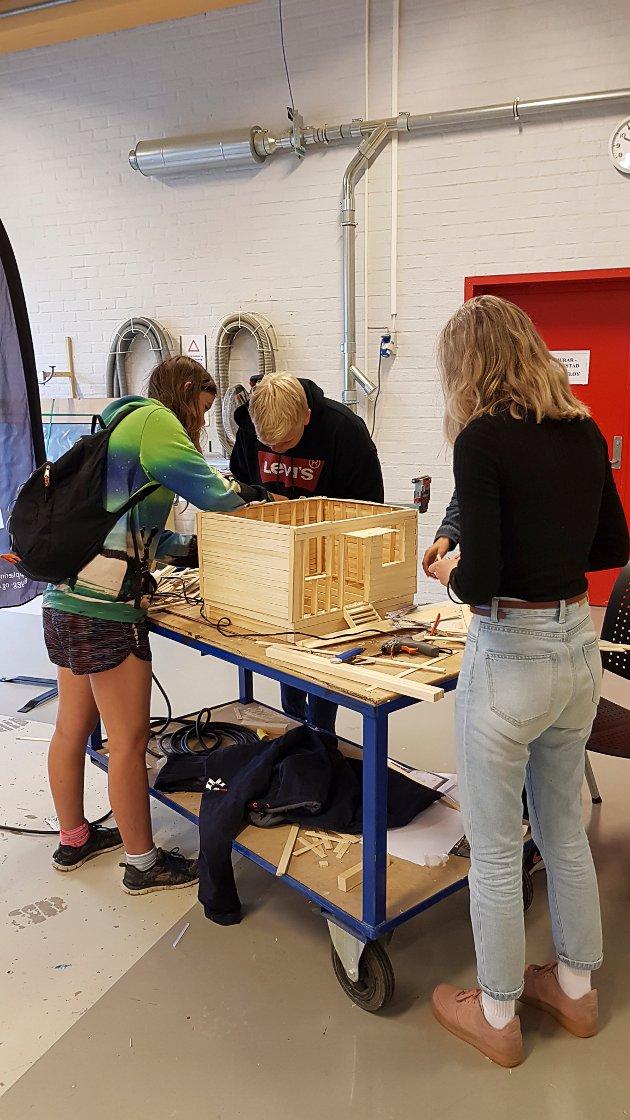 Byggopp- for elevane i 9.klasse ved Flora ungdomsskule. I regi av opplæringskontoret for byggfag.