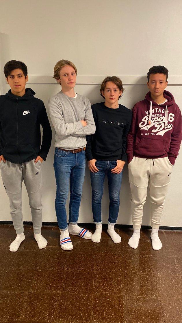 Philip Sellæg (fra venstre), Elias Rånes, Jakob Andreassen, Sebastian Haugan, elever ved Høknes ungdomsskole i Namsos, har tatt for seg en glemt krise i verden.