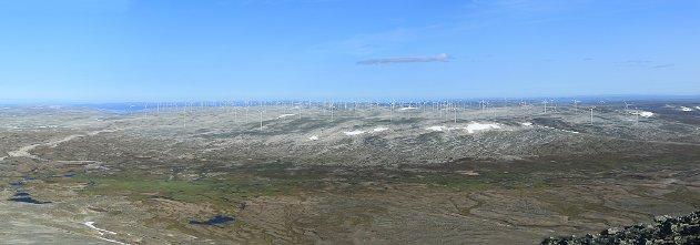 UTSIKT FRA RÁSTTIGÁISA: Omtrent slik vil Davvi vindkraftverk se ut fra Rásttigáisá, men antall vindturbiner, eller vindmøller som mange sier, er ikke bestemt.