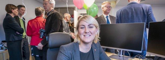 Jubileum: Det er ett år siden fylkesrådsleder Tonje Brenna kunne innta sitt nye kontor i nye Viken fylkeskommune under en velkomstseremoni. Nå oppsummerer hun hva de har gjort i løpet av dette året. Foto: Heiko Junge / NTB