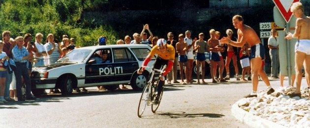Per Ivar Mork passerer Vingnes i sitt soloritt, og fortsetter sin sterke sykling videre på vestsiden til Oslo. Passeringen av Lillehammer husker han ikke så veldig mye av, rittet krevde vel egentlig mer enn det forsvarlige sett i ettertid.