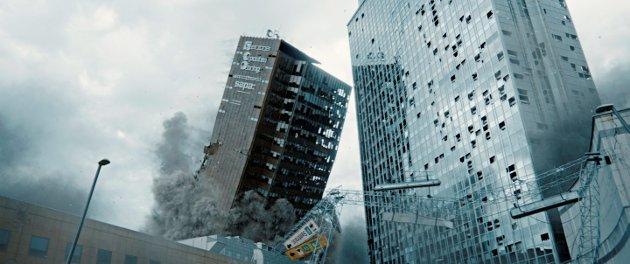 """DET SKJER I OSLO: Katastrofen rammer Norges hovedstad, og rystelsene treffer publikum i magen. """"Skjelvet"""" er film for kinosalen, ikke for DVD-spilleren, TV-apparartet eller I-paden hjemme."""