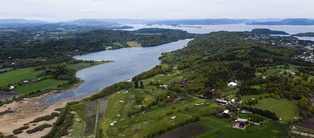 TRENING: Flere solide fagmiljøer har sterkt advart mot roing på Borrevannet, skriver Naturvernforbundet.