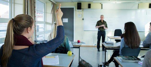Tillitsvalgte for lærerne reagerer sterkt på holdningen fra KS  når det gjelder overtidskompensasjon i korona-perioden.