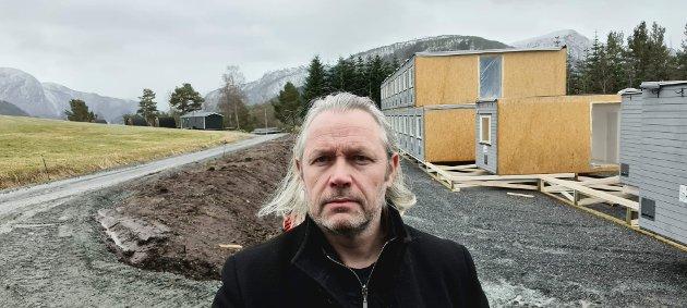 Trafikksikkerhetsarbeidet i Heim står til stryk, og ingen bryr seg, mener HalsaListas Einar Vaagland.