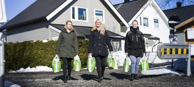 HVERDAGSHELTER: Lianne Mares (f.v.), Tanya Valkve og Silje Antonsen i «Omsorg Jessheim» har hjulpet over 500 familier på Øvre Romerike siden oppstarten i desember 2015.