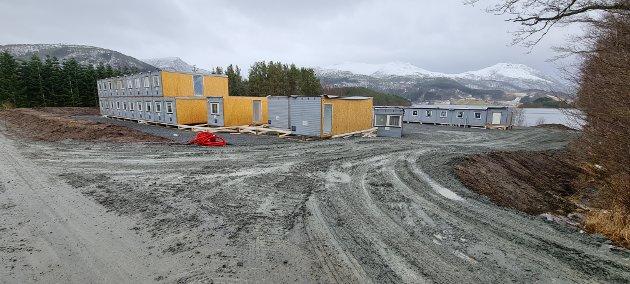 På Valsøya er det nesten innflyttingsklart, uten at byggetillatelse er gitt. HalsaLista reagerer.