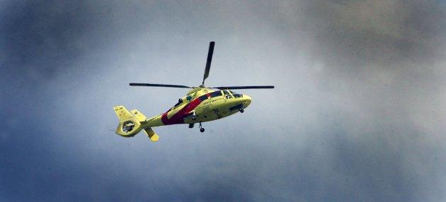 På de fleste helikopteroppdrag fortsetter anestesilegen en viktig og god pasientbehandling som er påbegynt av kommuneleger og ambulansepersonell, skriver leserbrevskribentene.