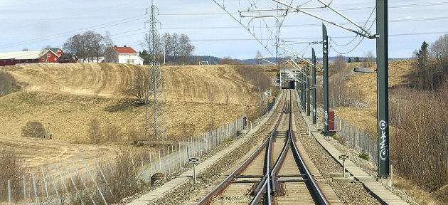 Dobbelt: Det er blant annet satt av midler til regulering og detaljplanlegging for strekningen Venjar-Eidsvoll-Langset, dermed forsvinner en flaskehals mellom Oslo og Lillehammer.