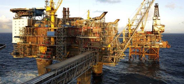 Svart skift: Verken Høyre, Frp eller Ap har vist forståelse og handlekraft til å omstille Norge fra klimaskadelig olje- og gassvirksomhet til fornybar industri, grønne arbeidsplasser og bærekraftig utvikling. Foto: NTB Scanpix