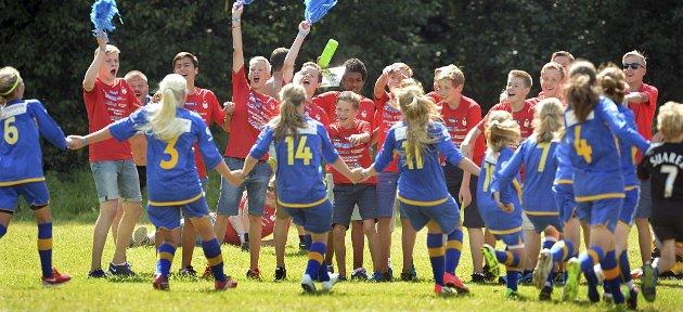 Norway Cup: Alle barn skal ha mulighet til å delta i idrett og kulturaktiviteter. Ingen barn skal stenges ute fordi familiene har så lav inntekt at de ikke kan betale egenandelene.Foto: NTB Scanpix