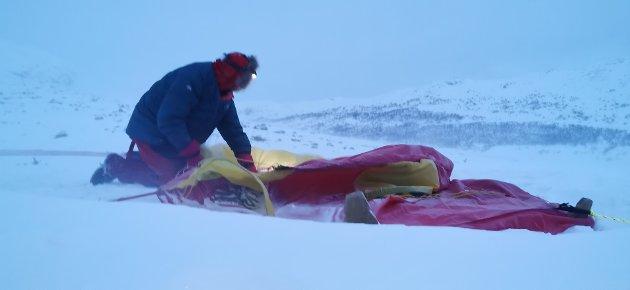 ERFARING: Det er også et krav til deltakerne at de skal takle vær og vind.