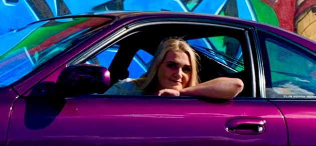 Opplever stigma: Lilly Lundberg forteller åpent om stigmaet hun føler mange bilinteresserte møter.