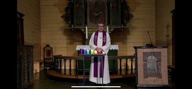 SOKNEPREST: Martin Ivar Arnesen er forrettande prest under langfredag-gudstenesta i Strand kyrkje.